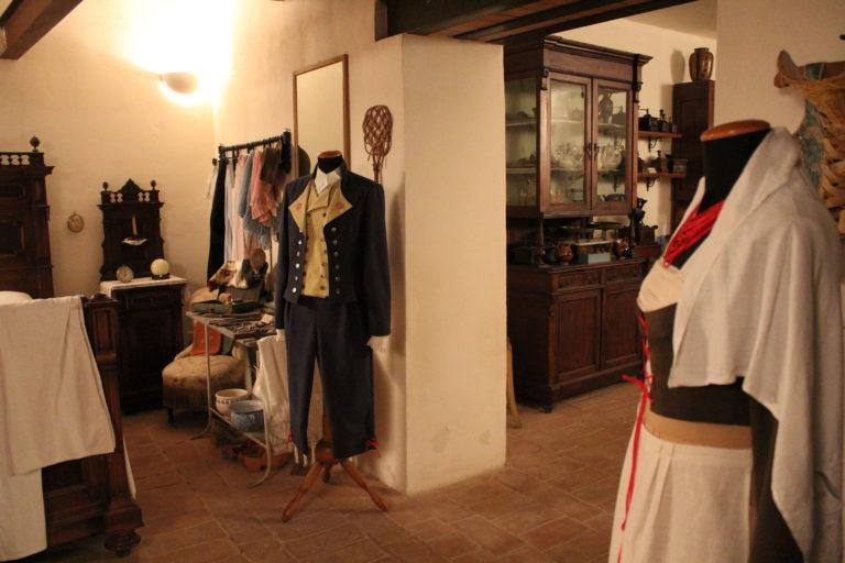 Sassoferrato-Museo-Tradizioni-Popolari-abiti