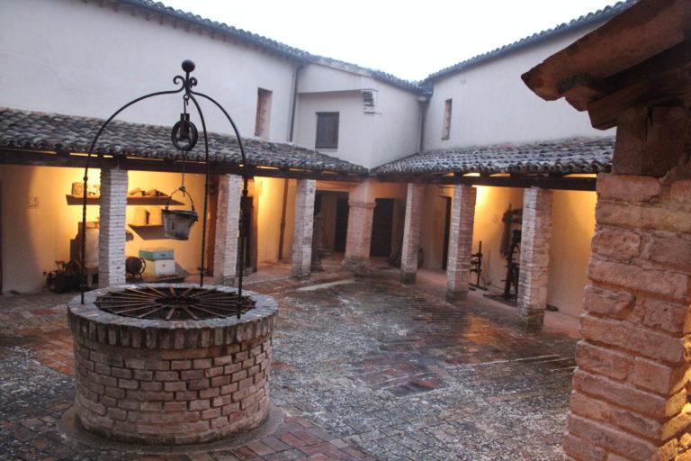 Sassoferrato-Museo-Tradizioni-Popolari-chiostro