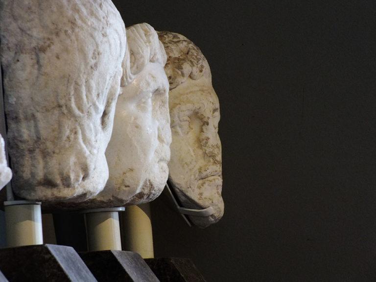 Museo_Archeologico_Sassoferrato_Statue